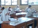r kelas
